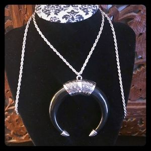 Jewelry - 🦇Black Silver Crescent Moon Necklace